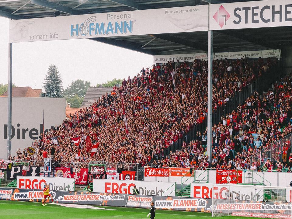 Fürth – Kaiserslautern Gästeblock