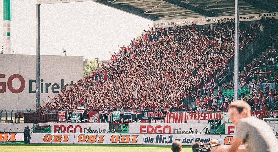 SpVgg Fürth – Nürnberg Gästeblock