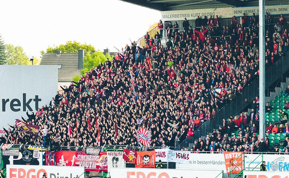SpVgg Fürth – Kaiserslautern Gästeblock